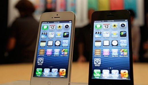 iPhone5はちょいと待ちます